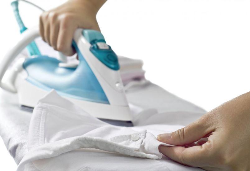 como quitar cera de depilar de la ropa con plancha