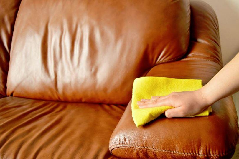 como quitar cera de depilar de un mueble
