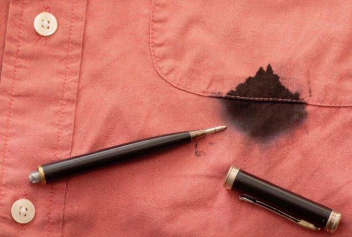 como quitar tinta de boligrafo de la ropa