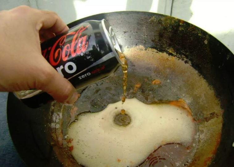limpiar sartenes con coca cola funciona