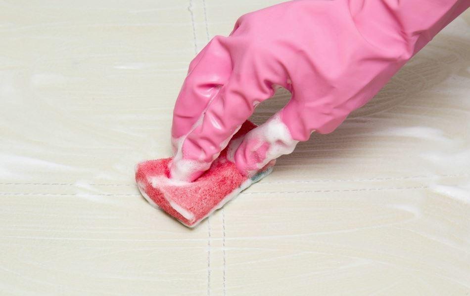 quitar manchas de sudor antiguas en el colchon