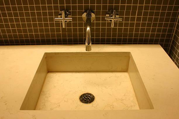 cuartos de baño de marmol travertino