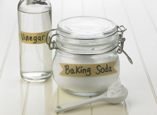 limpieza bañera de jacuzzi con bicarbonato sodio y vinagre