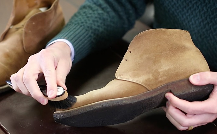 limpiar botas de serraje con amoniaco