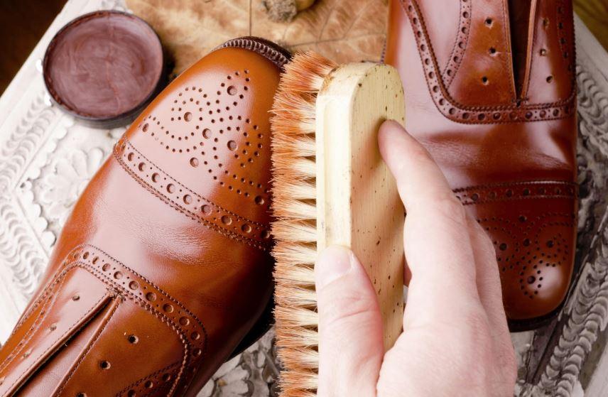 limpieza zapatos de piel vuelta