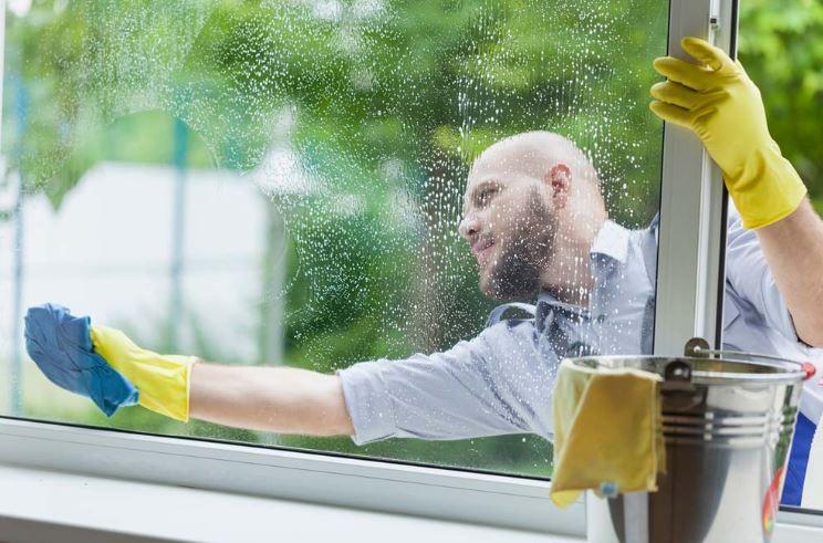 como limpiar ventanas correderas y abatibles