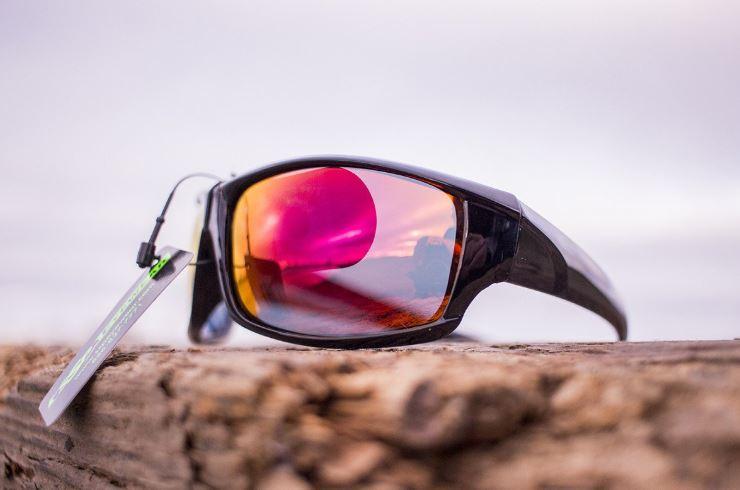 como quitar arañazos de las gafas de sol polarizadas