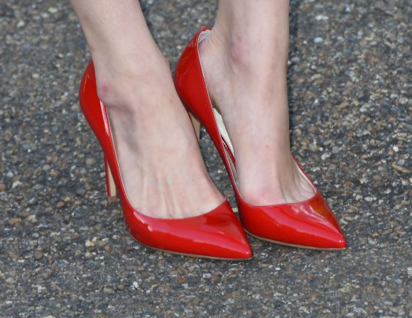 quitar rozaduras zapatos charol rojo