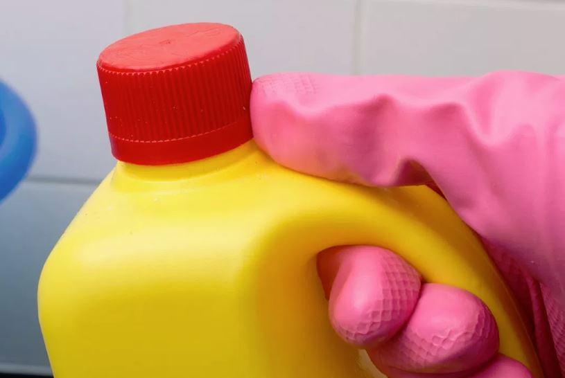 desinfectar plato de ducha resina con lejia