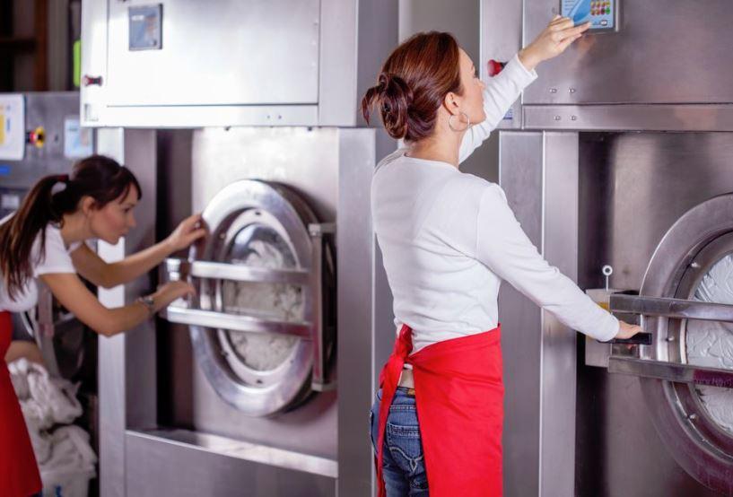 lavandería y planchaduria manchas