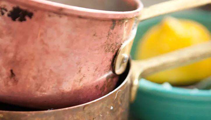 limpiar cacerola cobre con limon