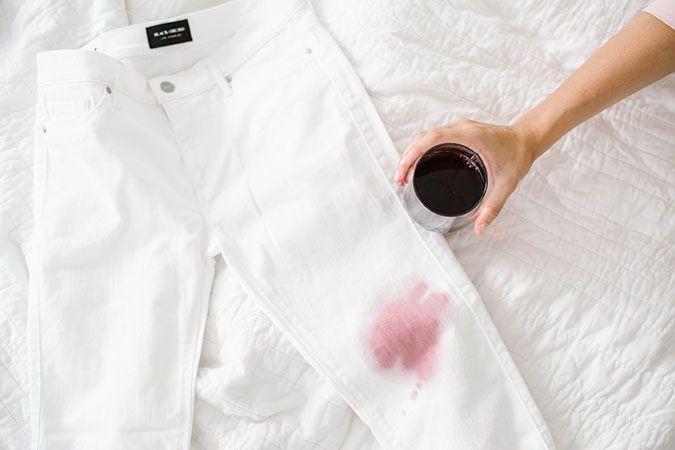 quitar manchas de vino tinto en la ropa