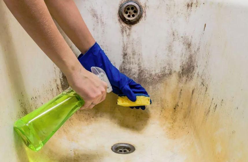 trucos para limpiar la bañera