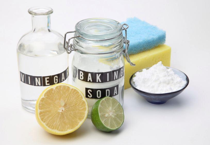 vinagre y bicarbonato para limpiar moho