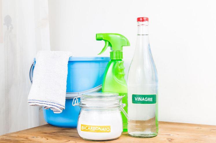 bicarbonato y vinagre para limpiar el suelo
