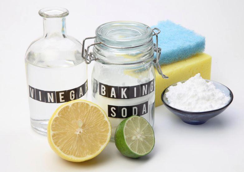 limpiar escobilla baño con vinagre y bicarbonato