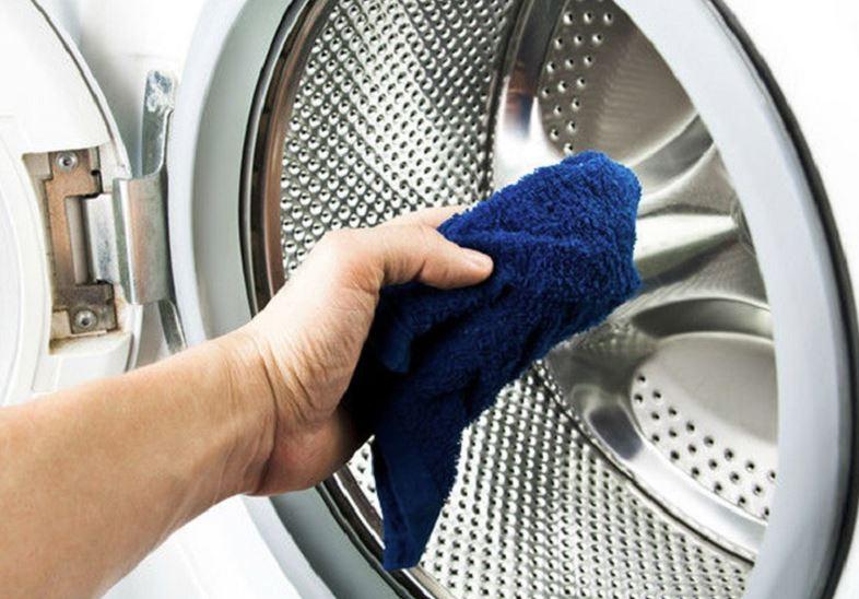 como limpiar la puerta dela lavadora
