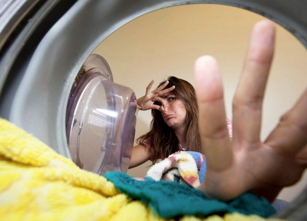 como quitar mal olor de la lavadora