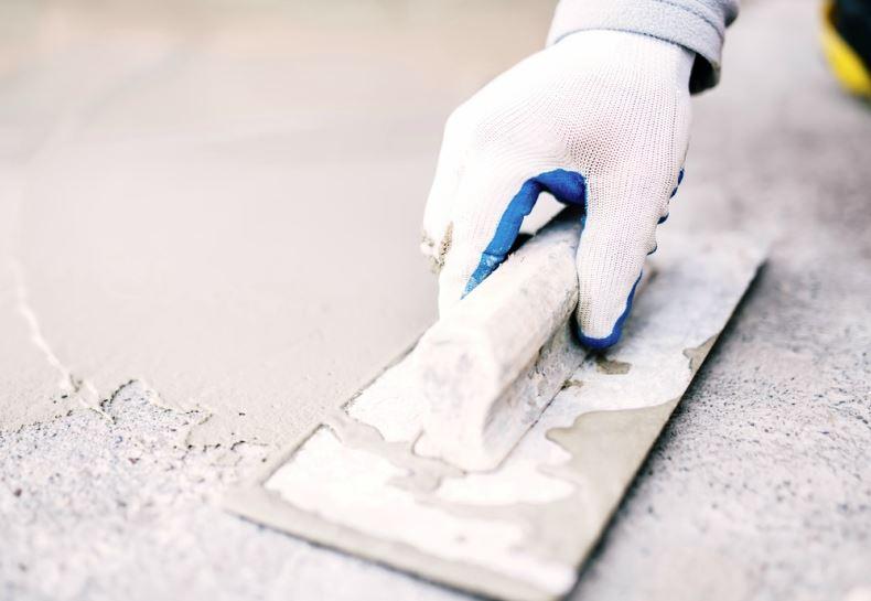 alisar la paredes para pegar papel