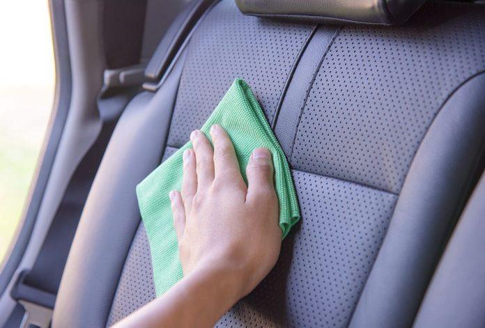como limpiar los asientos del coche