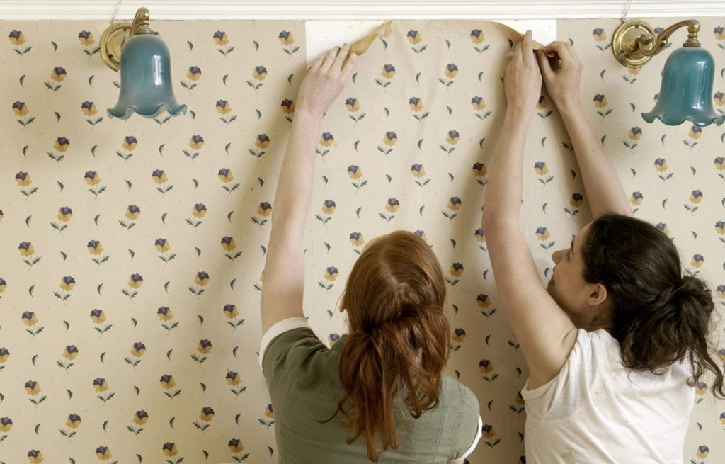 como quitar papel pintado de pared