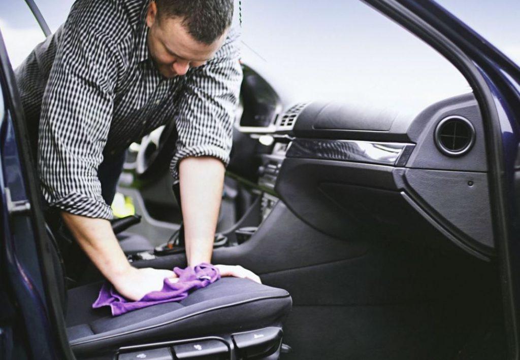 limpiar asientos de coche de tela