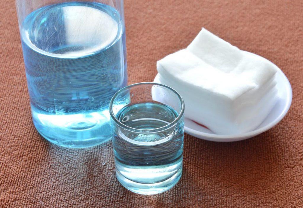 como quitar manchas de cafe con agua oxigenada