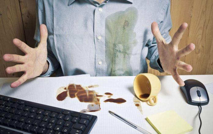 eliminar manchas de cafe de la ropa