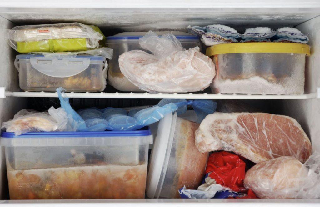 limpiar congelador comida podrida