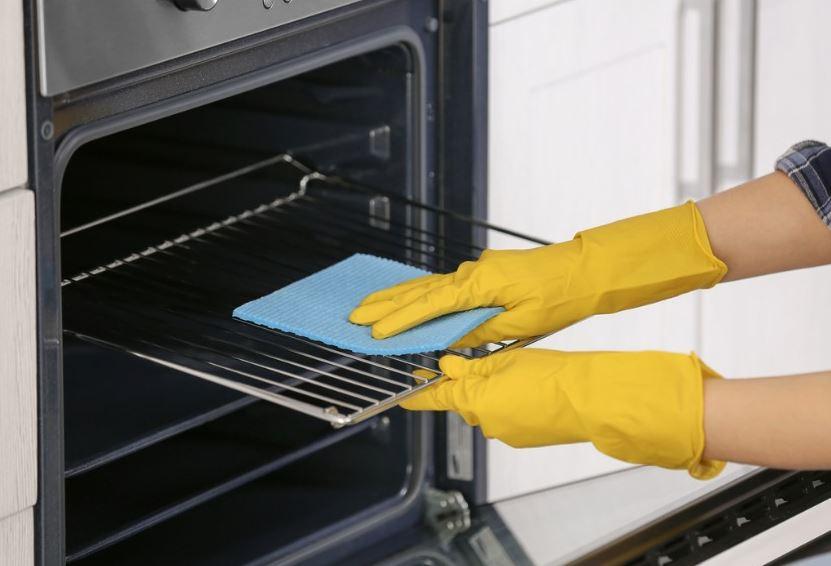 limpiar la parrilla del horno