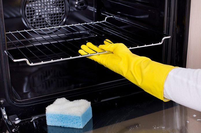 limpiar rejilla del horno