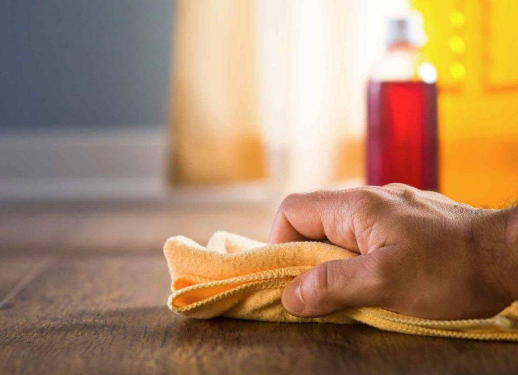 limpiar suelo de parquet con vinagre