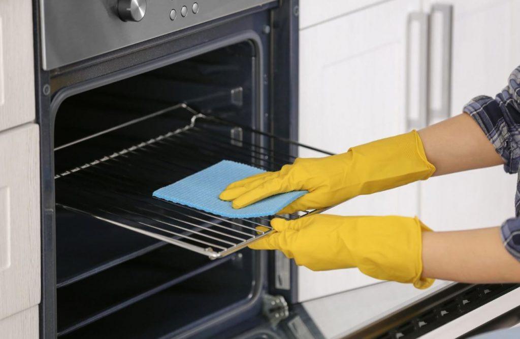 como limpiar la rejilla del horno