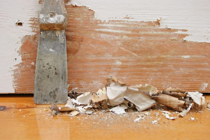 como remover pintura vieja de madera