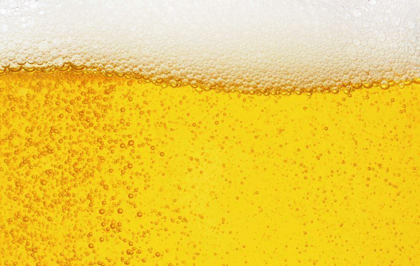 limpiar con cerveza las carteras piel