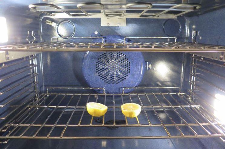 limpiar el horno por dentro con limon