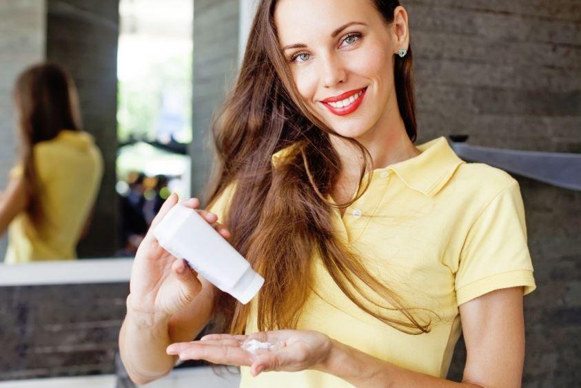 polvos de talco para limpiar billetera cuero