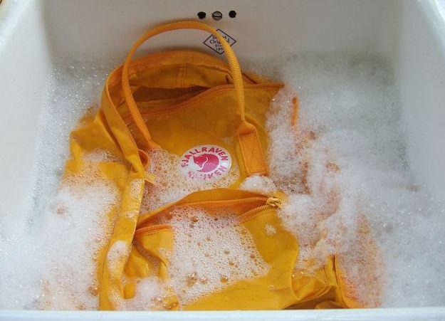 se puede lavar una kanken