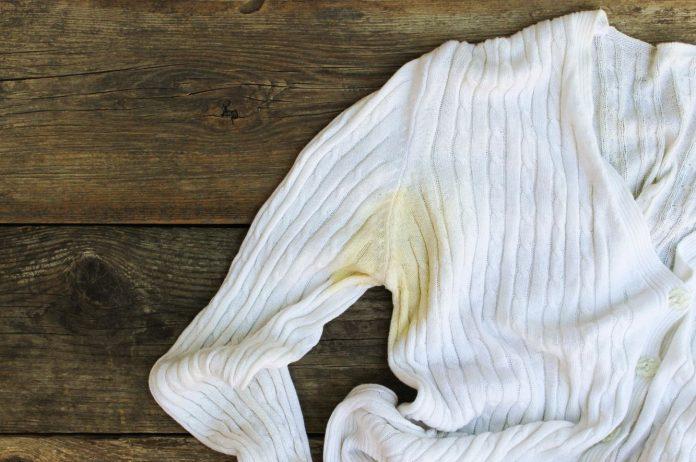 quitar manchas amarillas de la ropa