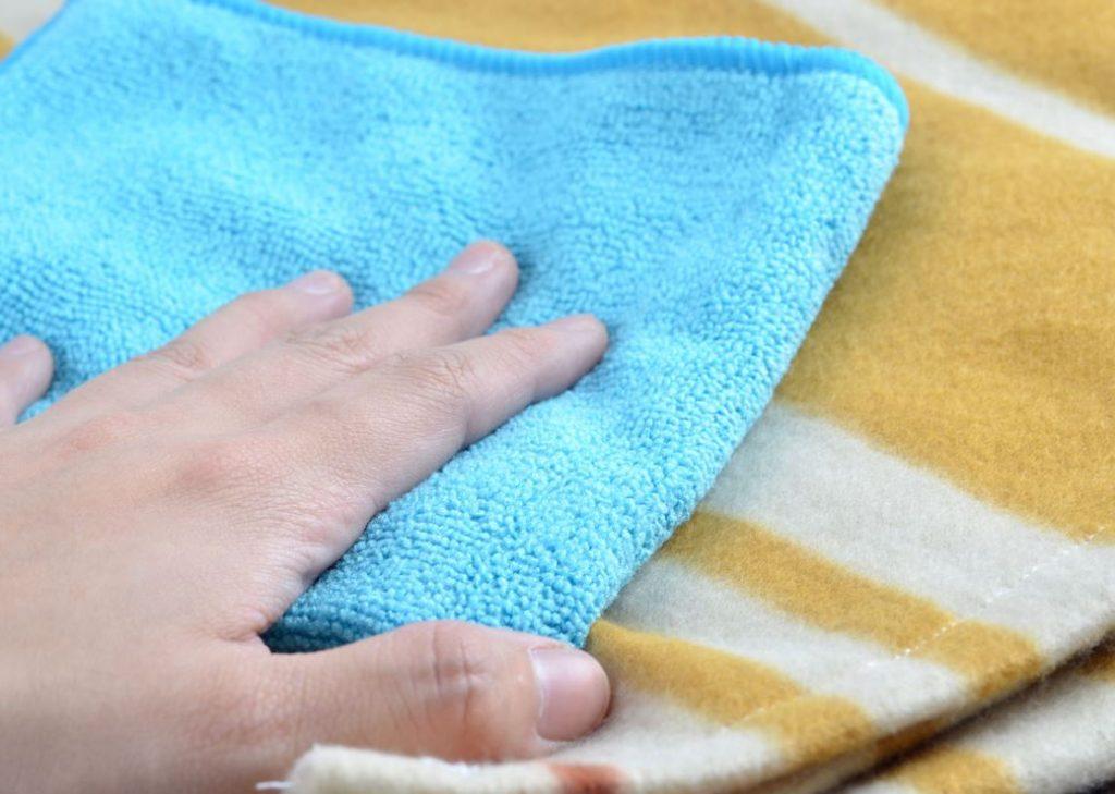 quitar manchas cereza en lana