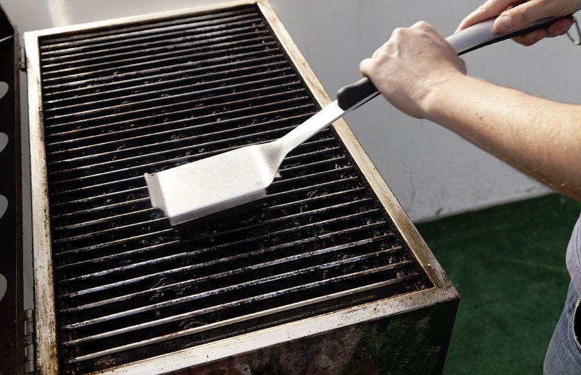 cepillo para quitar oxido barbacoa