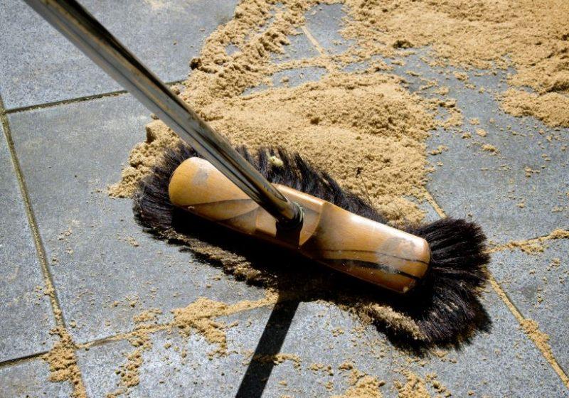 C mo limpiar el suelo de una terraza trucos - Como limpiar suelo porcelanico ...