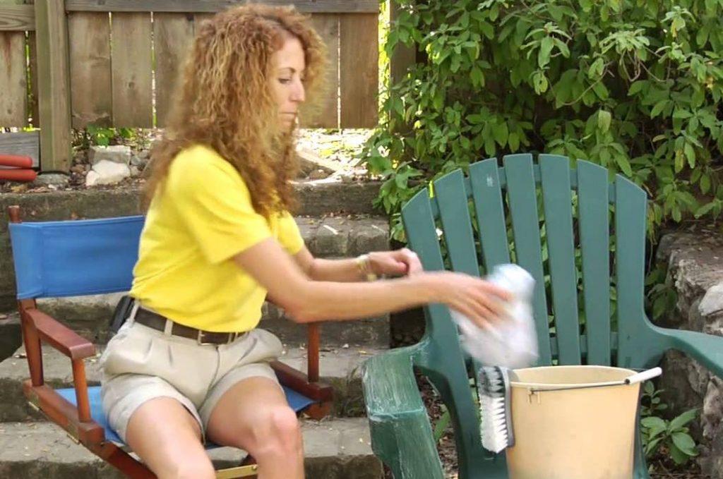 como limpiar sillas de plastico muy sucias