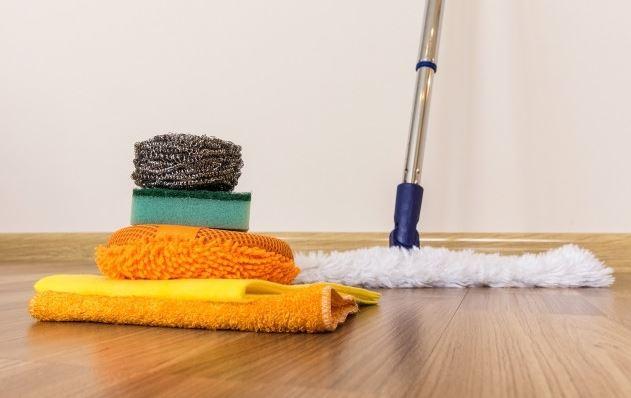 como limpiar suelos de sintasol