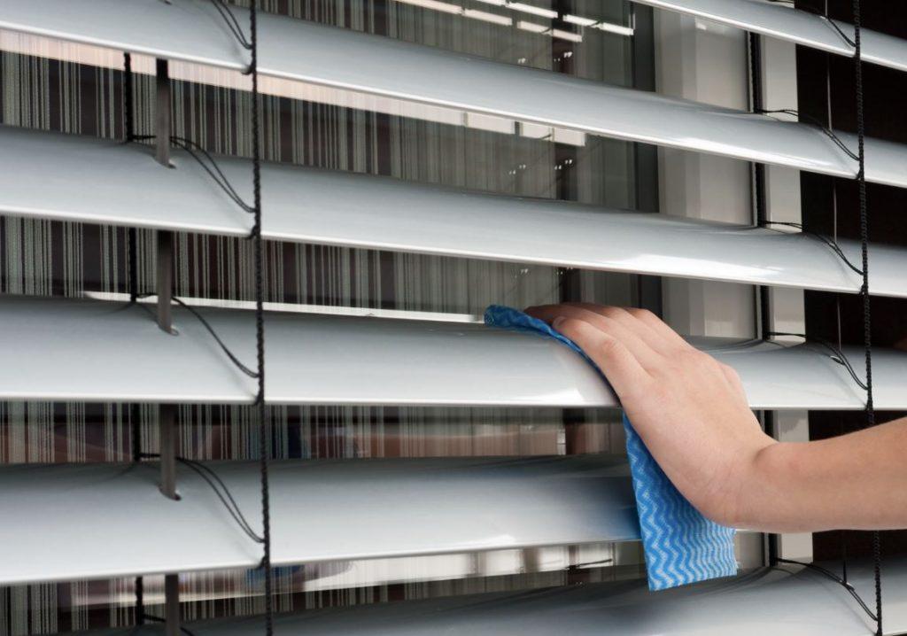 limpiar persianas por fuera sin desmontarlas