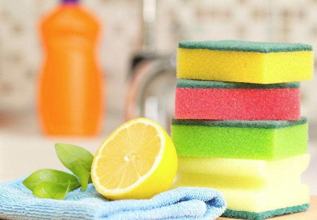 como limpiar la bañera con limon y sal