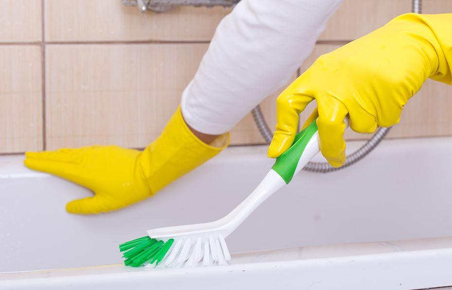 como limpiar la bañera para que quede blanca