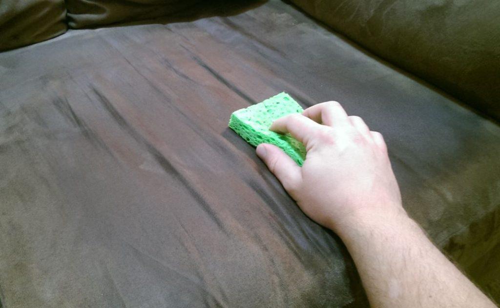 sofa de microfibra limpieza