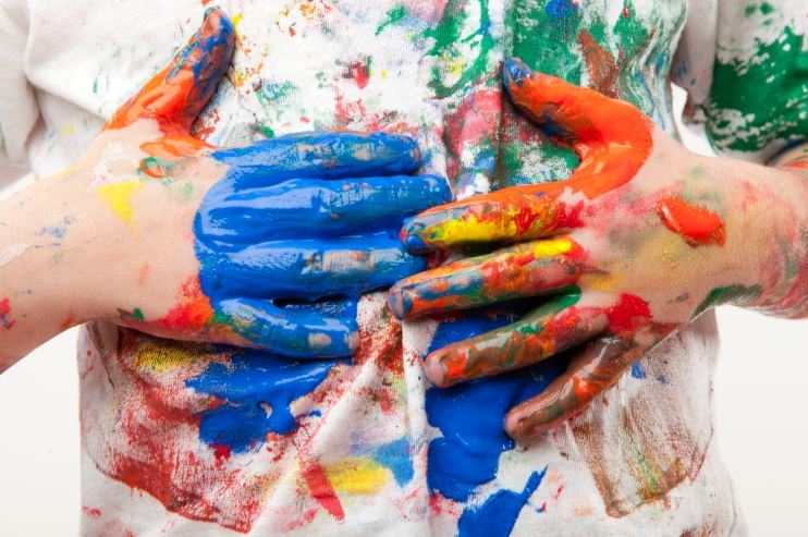 como quitar manchas de pintura en la ropa de los niños