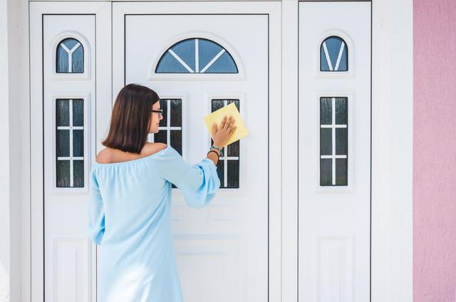 mantenimiento puerta blanca pvc